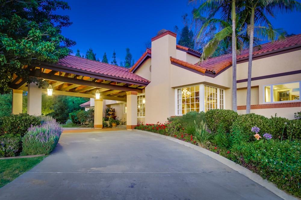 15903 Ranch Hollow Road -  Poway, CA 92064