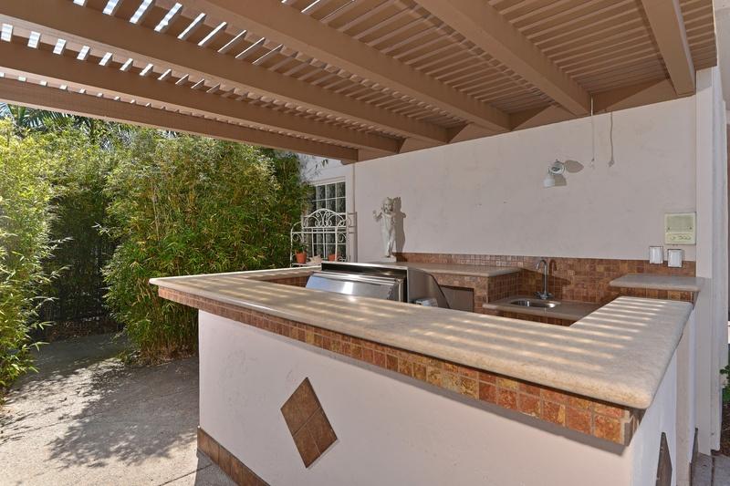 5550 Caminito Genio -  La Jolla, CA 92037