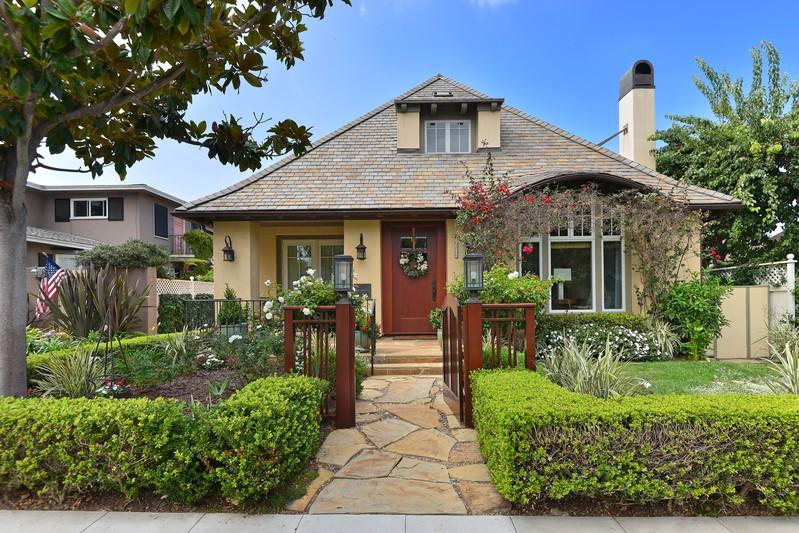 7106 Olivetas Avenue -  La Jolla, CA 92037