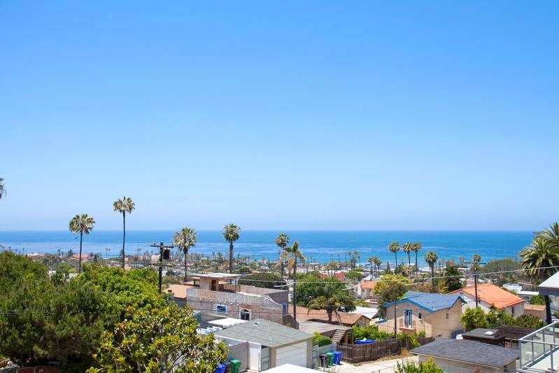 1542 Guizot Street -  San Diego, CA 92107
