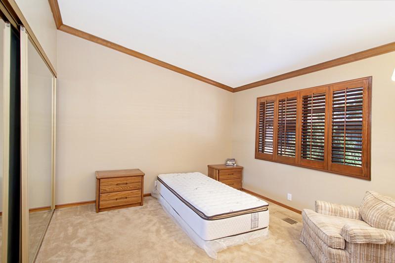 8850 Villa La Jolla Dr -  La Jolla, CA 92037