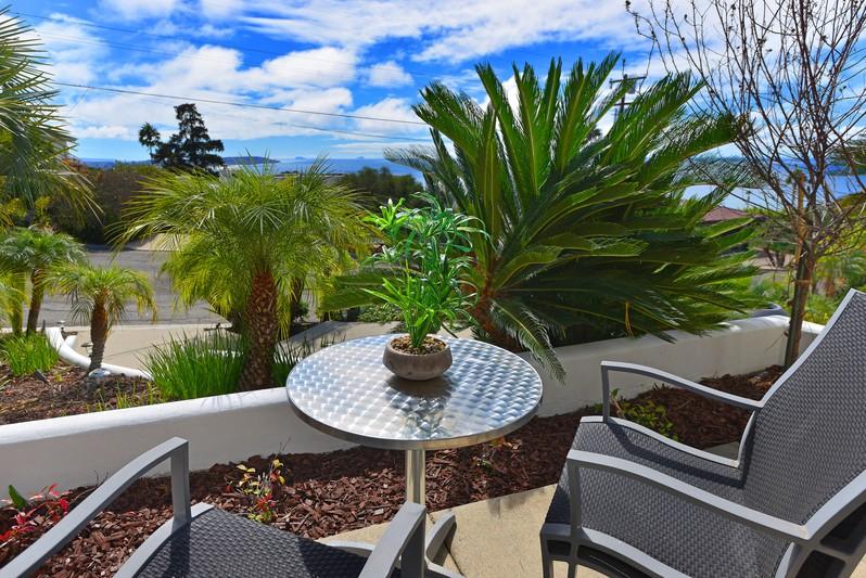 1034 Havenhurst Drive -  La Jolla, CA 92037