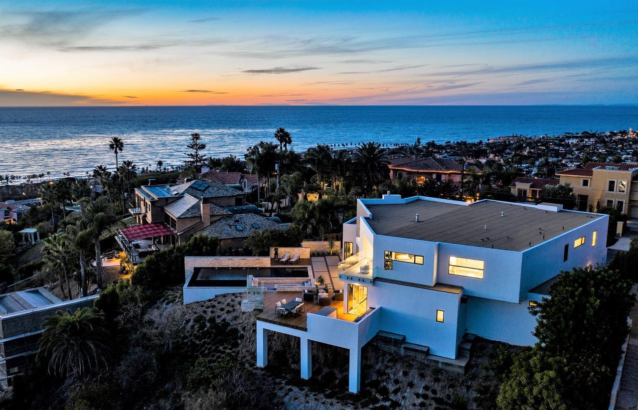 715 Muirlands Vista Way -  La Jolla, CA 92037