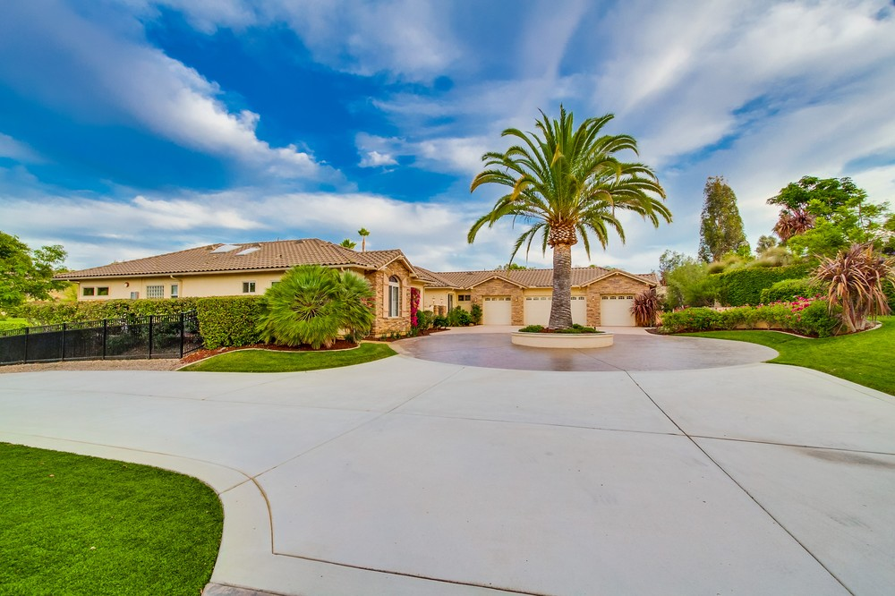 14002 Lake Poway Road -  Poway, CA 92064