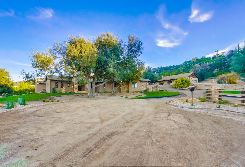 754 Gem Lane -  Ramona, CA 92065