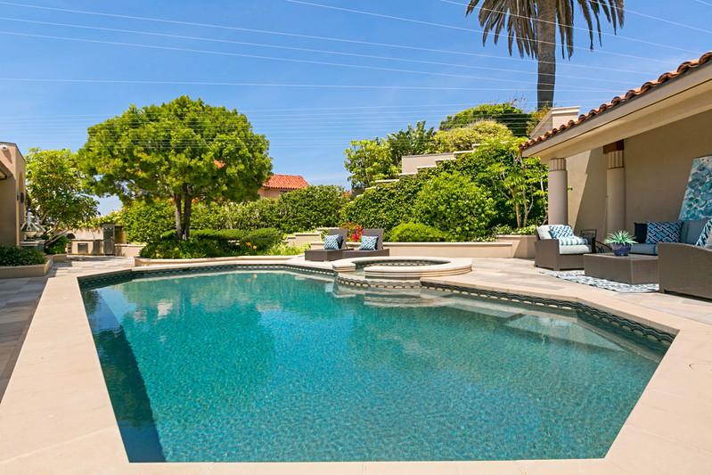 1828 Spindrift Drive -  La Jolla, CA 92037