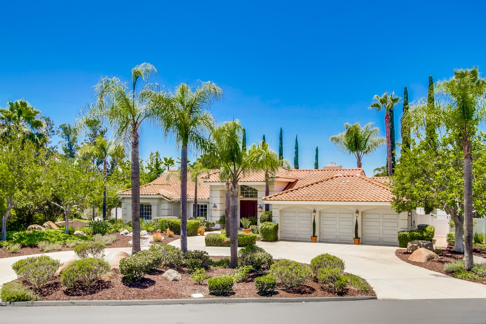 16068 Country Day Road -  Poway, CA 92064
