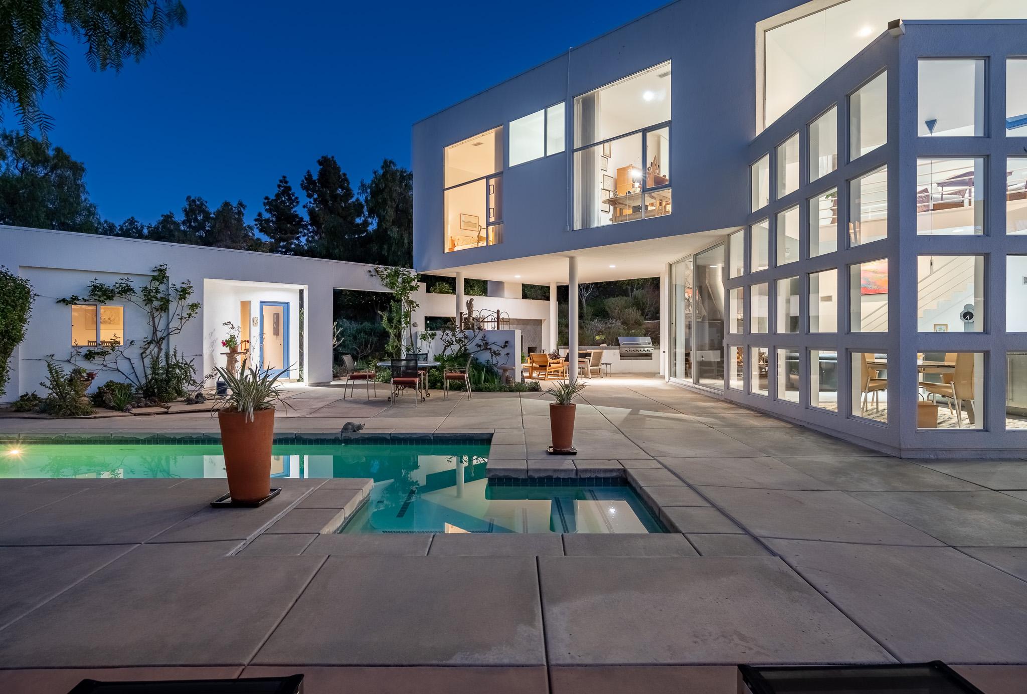 18486 Lago Vista -  Rancho Santa Fe, CA 92067