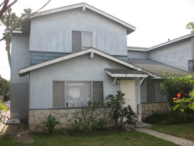 12 Navajo Lane -  Carson, CA 90745