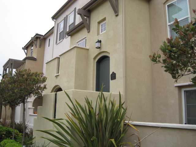 10561 Zenor Ln -  San Diego, CA 92127