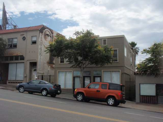 2581 University Ave -  San Diego, CA 92104