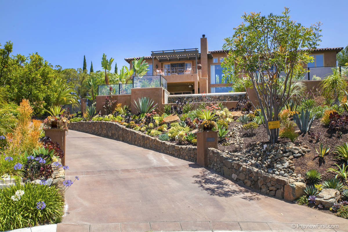 rancho santa fe single personals Come home to whispering palms in rancho santa fe, on this rare site showcasing single story living at its best situated on a cul-de-sac & directly upon morgan run.