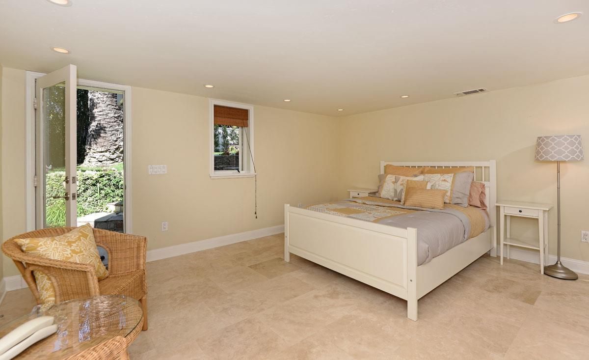 1026 Newkirk Drive -  La Jolla, CA 92037