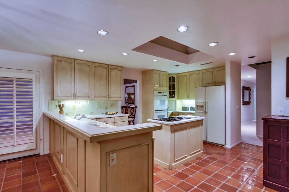 16237 Country Day Road -  Poway, CA 92064