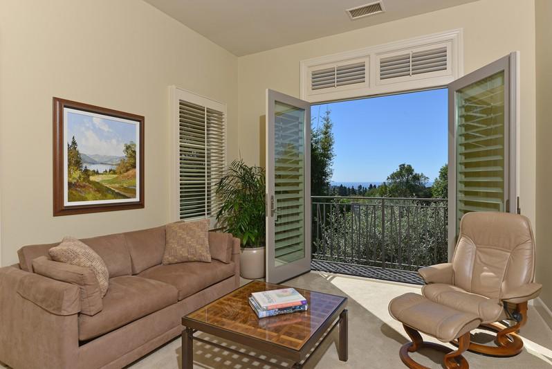 7105 Fairway Road -  La Jolla, Ca 92037