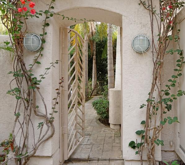 2872 Torrey Pines Road -  La Jolla, Ca 92037