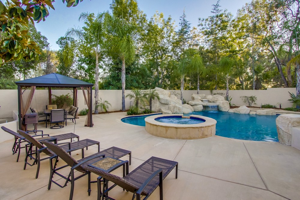 16348 Country Day Road -  Poway, CA 92064