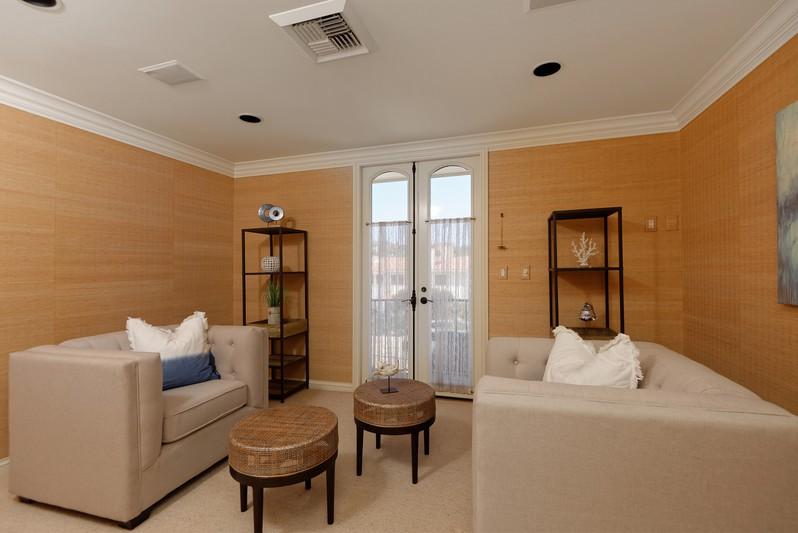 595 San Antonio Avenue -  San Diego, CA 92106