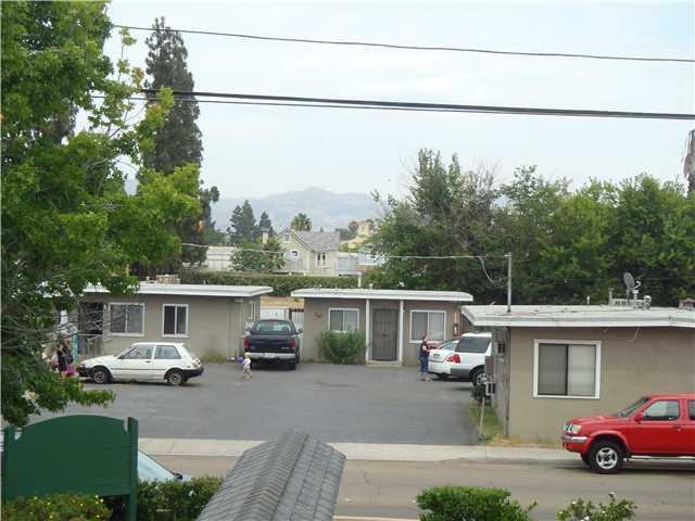 441 Chambers Street -  El Cajon, CA 92020