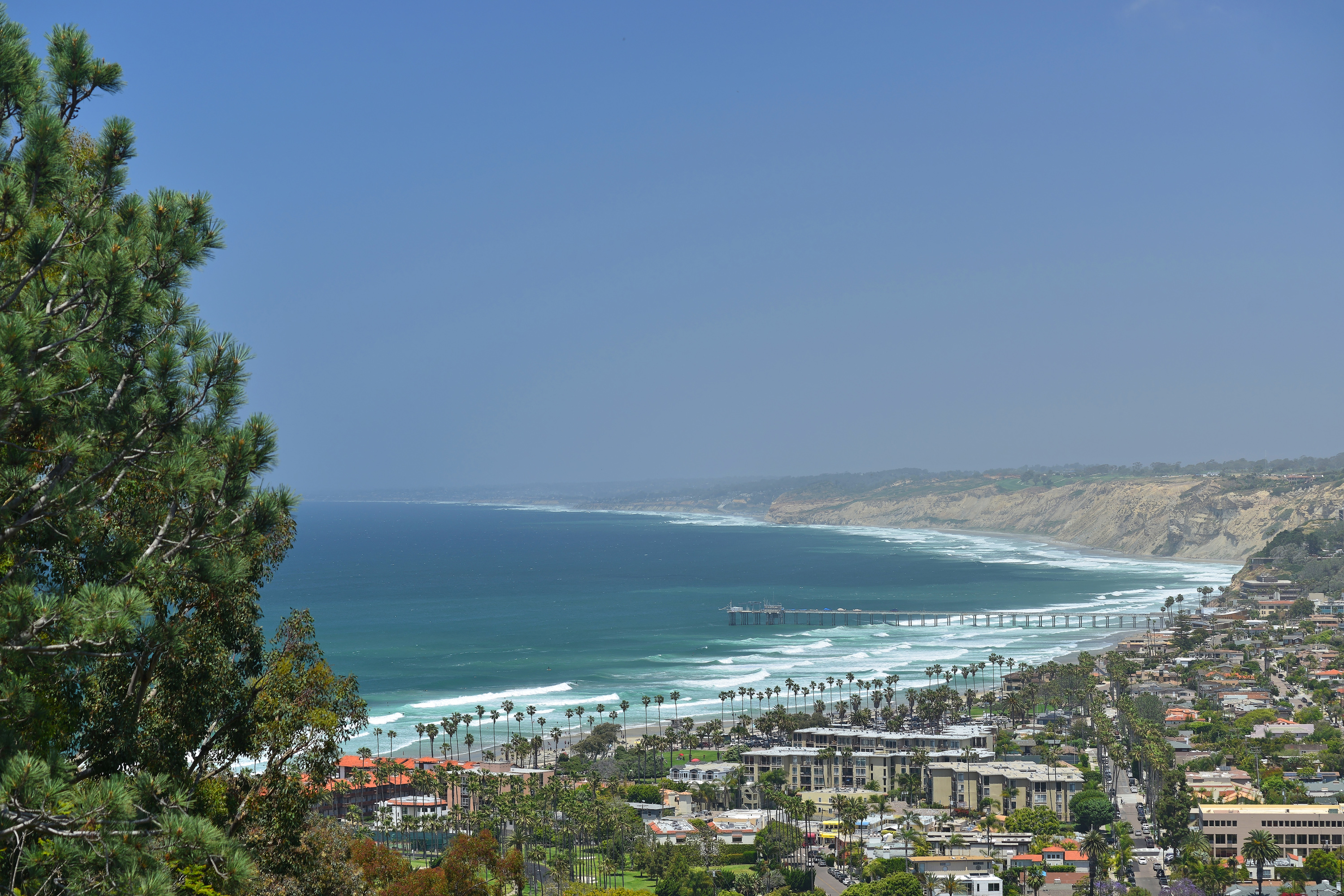 7595 Hillside Drive -  La Jolla, CA 92037