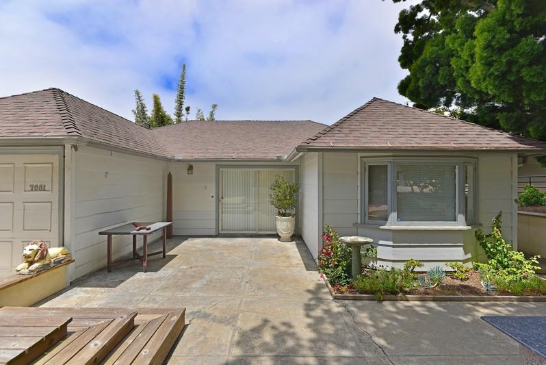 7661 Hillside Drive -  La Jolla, CA 92037